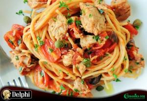 002. Спагети с риба тон, чери домати и маслини